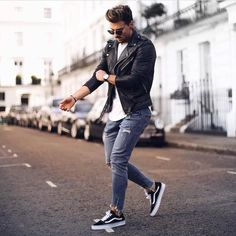 Elegant Styles of Men's Outfits To Inspired others In 2018 Modern Men Street Style, Modern Man, Casual Outfits, Fashion Outfits, Fashion Trends, Men's Outfits, Fashion Sale, Daily Fashion, Paris Fashion