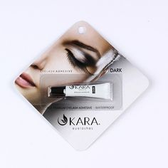 APPLICATION: APPLY A THIN LINE OF ADHESIVE ALONG BAND. WAIT 30 SECONDS SO THAT THE ADHESIVE DRIES SLIGHTLY AND BECOMES TACKY. PLACE BAND AGAINST EYELID AS CLOSE
