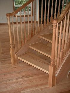 Best Colonial Handrailing And Newel Posts For Interior Railings 400 x 300