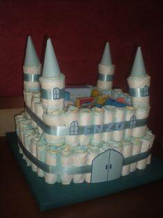 Tarta de 98 pañales en forma de Castillo, para el Príncipe Enzo!