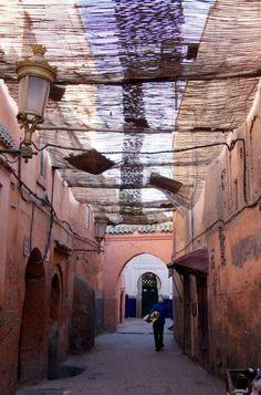 the souks, marrakech, morocco Van Puur naar Cultuur: www.desteenakker.nl