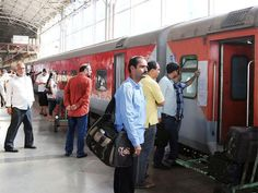 Railways to soon launch tatkal special trains to cash in on rush - The Economic Times