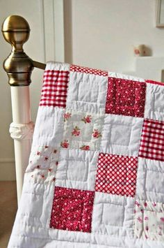 Simple hand quilting designs patchwork 37 Ideas for 2019 Diy Quilt, Easy Quilts, 3d Quilts, Quilt Baby, Baby Patchwork Quilt, Patchwork Quilt Patterns, Baby Girl Quilts, Girls Quilts, Patchwork Designs