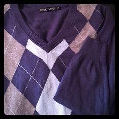 Woolrich Sweaters - V-neck argyle design cotton / cashmere sweater.