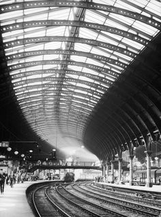 york railway station a steam train entering york railway station, yorkshire, england, c. 1960. © mary evans picture library.