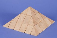 small pyramid-set in beechwood 90mm