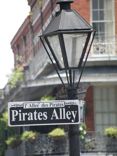 Pirates Alley New Orleans