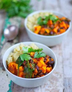 Sweet Potato & Black Bean Stew - Healthy Living James Gluten Free & Vegan and £1 a portion! Gluten Free Recipes For Lunch, Lunch Recipes, Healthy Dinner Recipes, Soup Recipes, Vegetarian Recipes, Cooking Recipes, Healthy Dinners, Delicious Recipes, Yummy Food