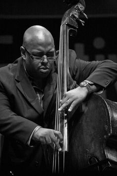 Christian McBride (born May Philadelphia, PA) : American jazz bassist. Considered a virtuoso, and is one of the most recorded musicians of his generation; he has appeared on more than 300 recordings as a sideman. Four-Time Grammy Award winner. Jazz Artists, Jazz Musicians, Jazz Cat, Neo Soul, Double Bass, Jazz Guitar, Smooth Jazz, Jazz Blues, Music Lovers