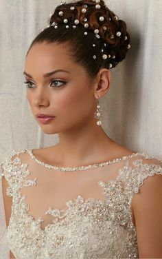 Wedding Hair. Natural Hairstyles. Bun with diamond & pearls with a natural make up.