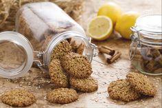 I biscotti ai fiocchi d'avena sono dei deliziosi biscotti ricchi di fibre. Veloci da preparare, sono perfetti per la colazione e la merenda.
