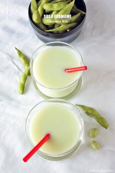 Edamame milk - tastes like soy bean, with extra pretty green color. Just as healthy and totally vegan Milk Recipes, Baby Food Recipes, Vegan Recipes, Food Tips, Food Food, Chicken Recipes, Dessert Recipes, Picky Toddler Meals, Toddler Dinners