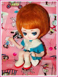 Sitting Pretty, Vintage Boguemont Doll via Flickr.