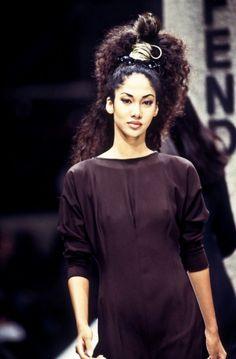 Kimora Lee Simmons for Fendi Spring 1994 Look Fashion, 90s Fashion, Fashion Models, Runway Fashion, Phresh Out The Runway, Kimora Lee Simmons, Flannels, Indian Hairstyles, Black Models