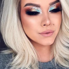 Eye Makeup Archives - MakeUp Tips Makeup Goals, Makeup Inspo, Makeup Inspiration, Makeup Tips, Beauty Makeup, Makeup Ideas, Teal Makeup, Glitter Makeup, Kiss Makeup