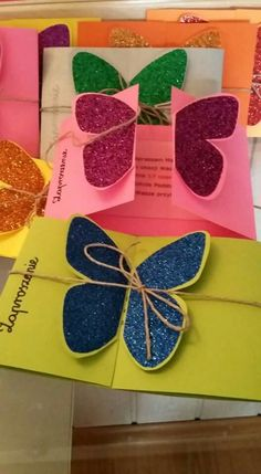 Best 12 2 of 2 pins…. Daisy Flower Card from Jeannie…. see first pin for the Template – SkillOfKing. Valentine Crafts For Kids, Mothers Day Crafts, Tarjetas Diy, Diy And Crafts, Paper Crafts, Diy Butterfly, Handmade Birthday Cards, Flower Cards, Diy Cards