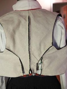 Kjoleliv kladd Damask, Drawstring Backpack, Vest, Costumes, Embroidery, Sewing, Folklore, Fashion, Needlework
