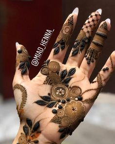 Image may contain: 2 people Modern Henna Designs, Wedding Henna Designs, Engagement Mehndi Designs, Floral Henna Designs, Finger Henna Designs, Arabic Henna Designs, Mehndi Designs For Girls, Mehndi Designs 2018, Mehndi Designs For Beginners