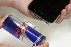 Carregador para iPhone e iPad em forma de latinha de Red Bull – parece perfeito http://www.bluebus.com.br/carregador-para-iphone-e-ipad-em-forma-de-latinha-de-red-bull-parece-perfeito/