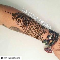 #follow@hennafamily #hennafamily #Repost @lalunahenna  HennaJagua cuff inspired in part by #mehndibynindya.  #lalunahenna #henna #mehndi #bodyart #bride #bridalhenna #hennadesign #hennadesigns #bodyart #artwork #instahenna #hennapics #hennapictures #hennainspiration
