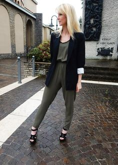 How to wear a jumpsuit with style and pull off an awesome fashion for business look.