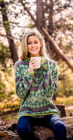 Bohemian clothing, hippie style sweater, aztec print Cute Country Outfits, Cute Comfy Outfits, Trendy Outfits, Autumn Cozy, Haircuts With Bangs, Boho Fashion, Winter Fashion, Clothes For Women, Women's Clothes