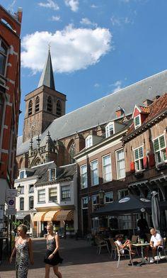 Notre Dame, Dutch, Mansions, House Styles, Building, Travel, Home Decor, Viajes, Decoration Home