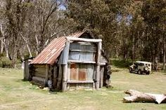 ❤ everything about Victorian high country huts Backpacking Food, Camping, Colonial Cottage, Australian Bush, Old Farm Houses, Old Buildings, Sheds, Country Living, Barns