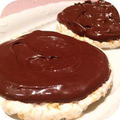 Tortitas con crema de cacao  para calmar un poco las ganas de dulce jajajajajaja