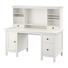 HEMNES Schreibtisch mit Aufsatz IKEA Der mittlere Boden ist versetzbar und schafft Platz für einen Bildschirm oder zusätzliche Aufbewahrung.