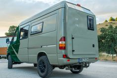 Mercedes Camper, Mercedes Sprinter, Mercedes Benz, Sprinter Van, 4x4, Camper Van Conversion Diy, Diy Camper, Campervan, Van Life