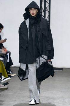 See the complete Facetasm Fall 2017 Menswear collection.