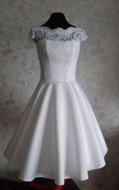 Vintage Inspired Wedding Dress in style of by TashaWeddingStudio