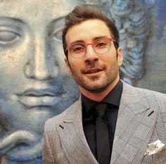 eblock_italia // In Arte... Belzebù / Il direttore d'orchestra Jacopo Sipari di Pescasseroli indossa Eblock Side #inartebelzebu #glasses #italiandesign #eyewear #eblock www.eblock.it / Photofazio Roma