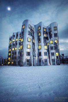 Neuer Zollhof, Medienhafen Düsseldorf, Germany. See more stunning architecture at http://glamshelf.com