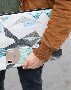 """Funda portátil 13"""" Tejido estampado efecto mármol   B-Kover Bags, Laptop Sleeves, Tejidos, Handbags, Bag, Totes, Hand Bags"""