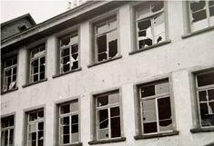 Photobibliothek.ch - Bombardierung der Brücke Diessenhofen 1944 Garage Doors, Outdoor Decor, Carriage Doors
