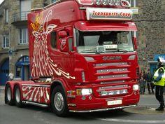 camions decores a dol de bretagne 2010 Van Camping, Nightlights, Pinstriping, Cool Paintings, Cool Trucks, Buses, Motorhome, Caravan, Trailers