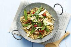 31 maart - Chinese wokgroente in de bonus - Kruidige noedels voor een drukke doordeweekse avond - Recept - Allerhande