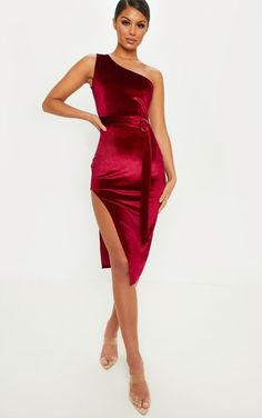 Discover our range of women's dresses online, from casual work styles to elegant dresses for those special occasions, shop dresses at PLT USA.