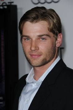 Mike Vogel Finds Himself 'Under The Dome'