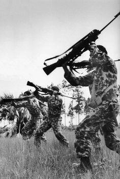 Anti-Castro troops in training.