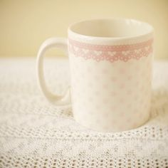 oh i would love to drink my morning coffee out of a mug this pretty!