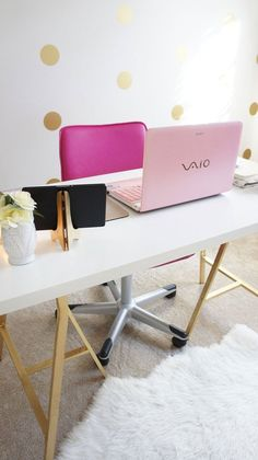 Charmaine's Posh & Plush Home Office Love the gold accents... a bit too girly for me though
