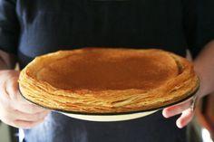 & Outydse melktert sal die supermodel Kate Moss haar woorde laat sluk dat niks so goed kan smaak soos dit voel om maer te wees nie. Sy het nog nie 'n melktert uit die oond gehaal wat haar eie maaksel is nie. Custard Recipes, Puff Pastry Recipes, Tart Recipes, Sweet Recipes, Dessert Recipes, Cooking Recipes, South African Desserts, South African Recipes, Milktart Recipe
