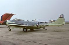 de Havilland DH.112 Sea Venom Military Jets, Military Aircraft, De Havilland Vampire, Post War Era, Navy Aircraft, Aircraft Design, Aeroplanes, Royal Navy, Cold War