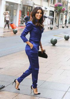 Eva Longoria in a supremely hot outfit!