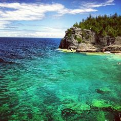 One of the most refreshing swim spots in Ontario - Bruce Peninsula National Park! Places Around The World, Oh The Places You'll Go, Travel Around The World, Bruce Peninsula, Ontario Beaches, Nostalgia, Hiking Places, Adventure Is Out There, Beach Fun