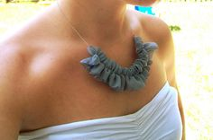 fabric necklace that's so cute. the website has instructions on how to make it