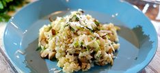 Paddenstoelen risotto met lenteuitjes en Parmezaanse kaas Rissoto, Couscous, Fried Rice, Lasagna, Potato Salad, Favorite Recipes, Food And Drink, Dinner, Vegetables
